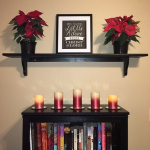 Photo of Advent decorations. Used to illustrate the blog,